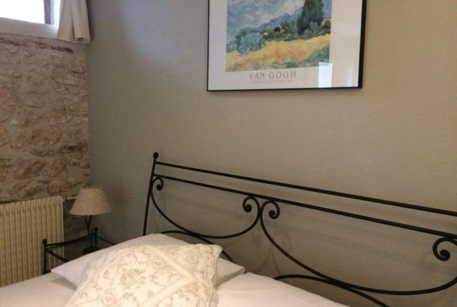 La Bihourderie Bedhead Les Blés Jaunes room green wall