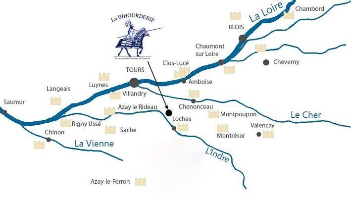 Carte du val de loire avec les châteaux et la location de la Bihourderie