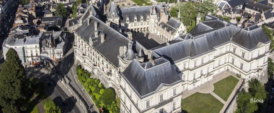 La Bihourderie châteaux de Blois aerial view of castle and town