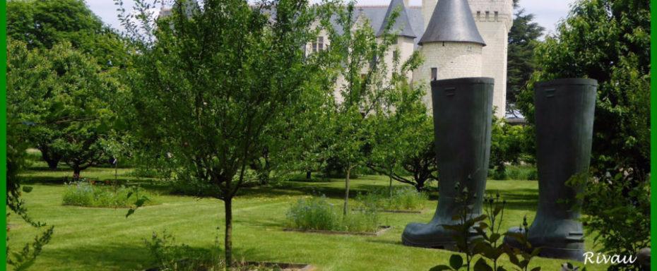 La Bihourderie château de Rivau castle gardens giant boots