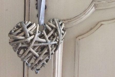 La Bihourderie wooden heart decoration